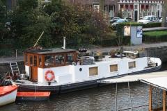 Groningen-308-Woonboot-in-de-Gracht