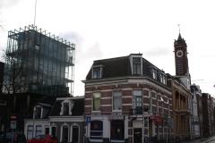 Groningen-425-Glazen-gebouw-met-Zicht-op-toren-van-Zuiderkerk
