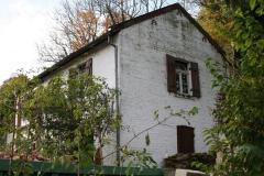 Engwegen-Keutenberg-Sousberg-062-Wit-huis-krijgt-groene-aanslag