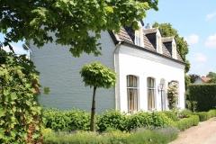 Geulle-064-Wit-huis-in-Brommelen