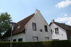 Geulle-067-Wit-huis-in-Brommelen