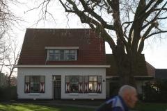 Krabbendijke-030-Huis-met-rood-witte-luiken