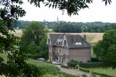 Rondom-Kanne-019-Vergezicht-met-huis-en-Theresiakerk