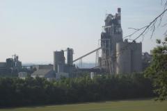 Eben-Emael-050-Cementfabriek-aan-het-Albertkanaal-in-Liche