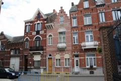 Sint-Truiden-060-Huizenrij-met-balkons