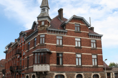 Sint-Truiden-067-Huis-met-torentje