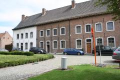 Sint-Truiden-213-Huizenrij-bij-Begijnhofkerk