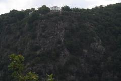 2017-09-02-Harz-Thale-Rosstrappe-052-Uitzicht-met-huizen-op-de-berg