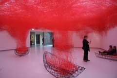 51-Chiharu-Shiota-2016-Uncertain-Journey