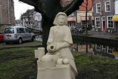 Delft-021-Beeld-van-Het-Melkmeisje-door-Wim-T.-Schippers