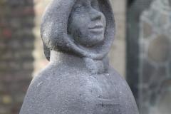 Delft-054-Standbeeld-Geertruyt-van-Oosten