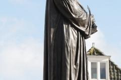 Delft-090-Standbeeld-Hugo-de-Groot