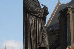 Delft-093-Standbeeld-Hugo-de-Groot