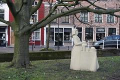 Delft-147-Beeld-van-Het-Melkmeisje-door-Wim-T.-Schippers