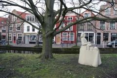 Delft-148-Beeld-van-Het-Melkmeisje-door-Wim-T.-Schippers