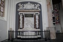Delft-Oude-Kerk-058-Monument-Maarten-Tromp
