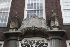 Delft-258-Meisjeshuis-uit-1769-door-stadsarchitect-Nicolaas-Terburgh