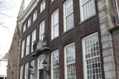Delft-259-Meisjeshuis-uit-1769-door-stadsarchitect-Nicolaas-Terburgh