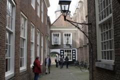 Delft-292-Oude-Delft-Onderdoorgang-naar-Prinsenhof