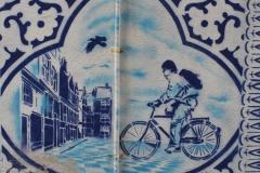 Delft-032-Delfts-blauwe-muurschildering-in-Bonte-Ossteeg