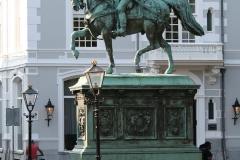 Ruiterstandbeeld-Willem-van-Oranje-2