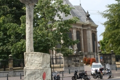 Sculptuur-en-Nieuwe-Kerk-Spui