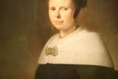 Johannes-Cornelsz-Verspronck-1654-Portret-van-Eva-Vos-2-detail
