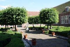 Frans-Halsmuseum-14-Binnenplaats-met-zonnewijzer