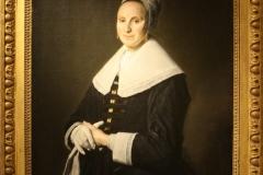 Frans-Hals-1645-1650-ca-Portret-van-een-vrouw-met-handschoenen-1