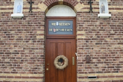 Klimmen-Termaar-116-Motto-bij-Huis-op-kruispunt-bij-Koulen