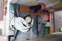 Nijmegen-153-Muurschildering-Zo-vast-als-de-bank