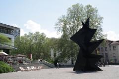 Grenoble-002-Standbeeld-voor-museum