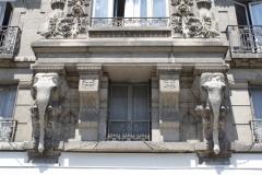 Grenoble-032-Gebouw-met-mooie-gevel