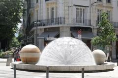 Grenoble-045-Plein-met-fontein