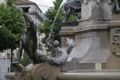 Grenoble-139-Vrijheidsbeeld-uit-1788-met-fontein