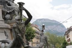Grenoble-143-Vrijheidsbeeld-uit-1788-met-fontein