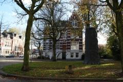 De-Boom-monument-voor-N-H-Werkman-2