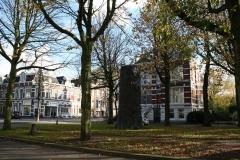 De-Boom-monument-voor-N-H-Werkman-3