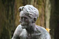 Frederik-Engel-Jeltsema-1960-Zittende-jongeling-6-detail