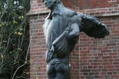 Plastiek-door-Hendrik-de-Vries-Norman-Burkett-bij-Martinitoren-1