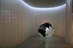Groninger Museum 237 Wereld tussen de vitrages