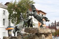 4-Paarden-bij-Ingang-Centrum