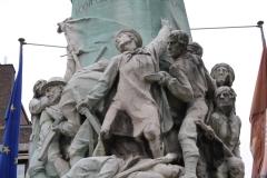 Hasselt-072-Oorlogsmonument-Leopoldplein-detail
