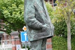 Hasselt-084-Standbeeld-Baron-Adrien-de-Gerlache-door-Gerard-Moonen