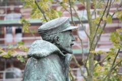 Hasselt-085-Standbeeld-Baron-Adrien-de-Gerlache-door-Gerard-Moonen-detail
