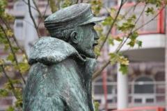 Hasselt-088-Standbeeld-Baron-Adrien-de-Gerlache-door-Gerard-Moonen-detail