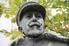 Hasselt-091-Standbeeld-Baron-Adrien-de-Gerlache-door-Gerard-Moonen-detail