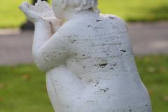 Beeldentuin-St.-Gerlach-044-Zittende-figuur