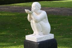 Beeldentuin-St.-Gerlach-045-Zittende-figuur