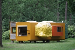 Joep van Lieshout - 1995 - Mobile Home for Kröller-Müller 2